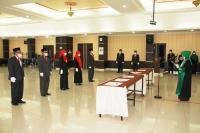 Ketua MS Aceh Mengambil Sumpah dan Melantik Panitera Muda dan Panitera Pengganti MS Aceh
